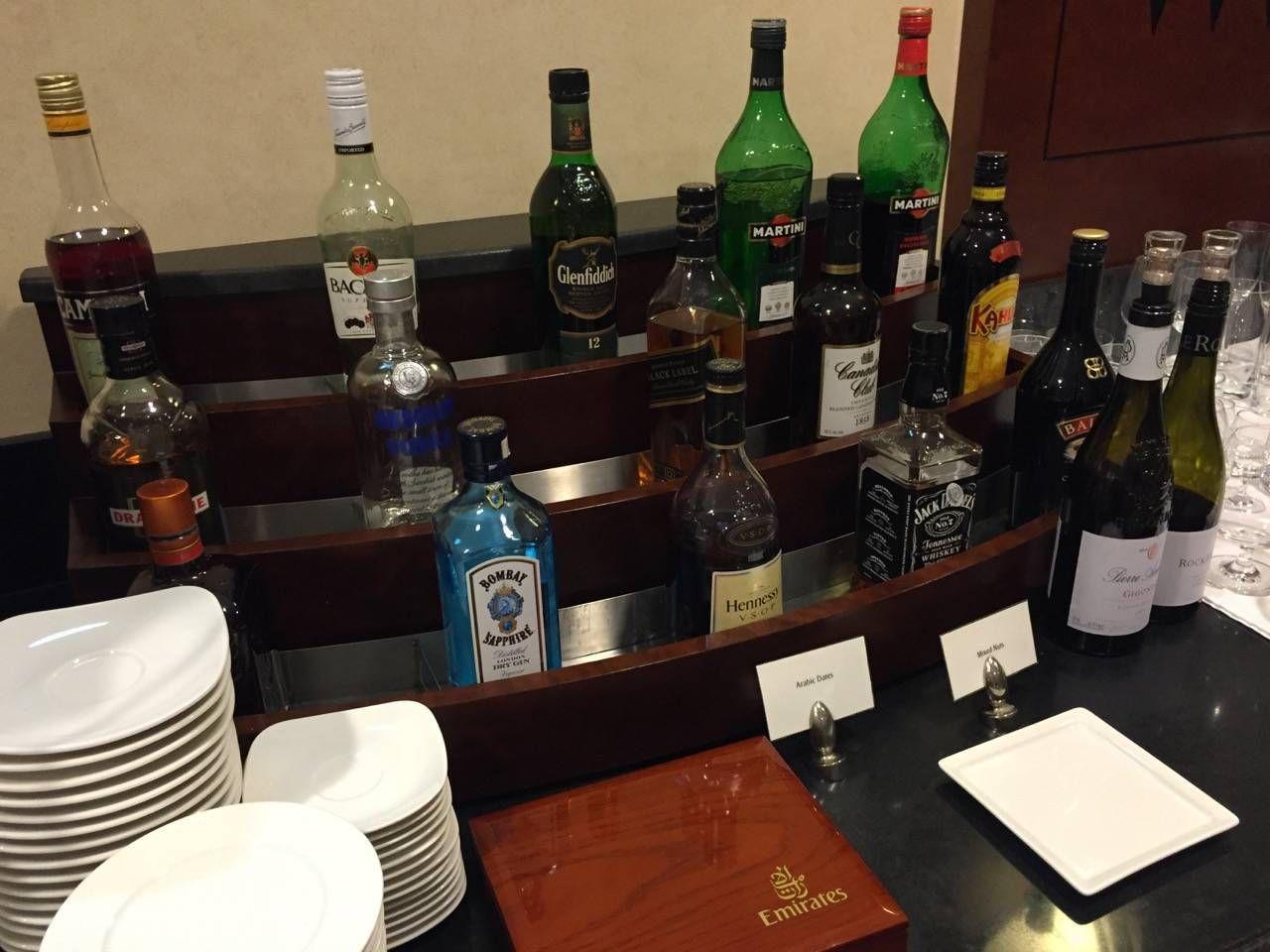 Emirates Lounge Shanghai-021