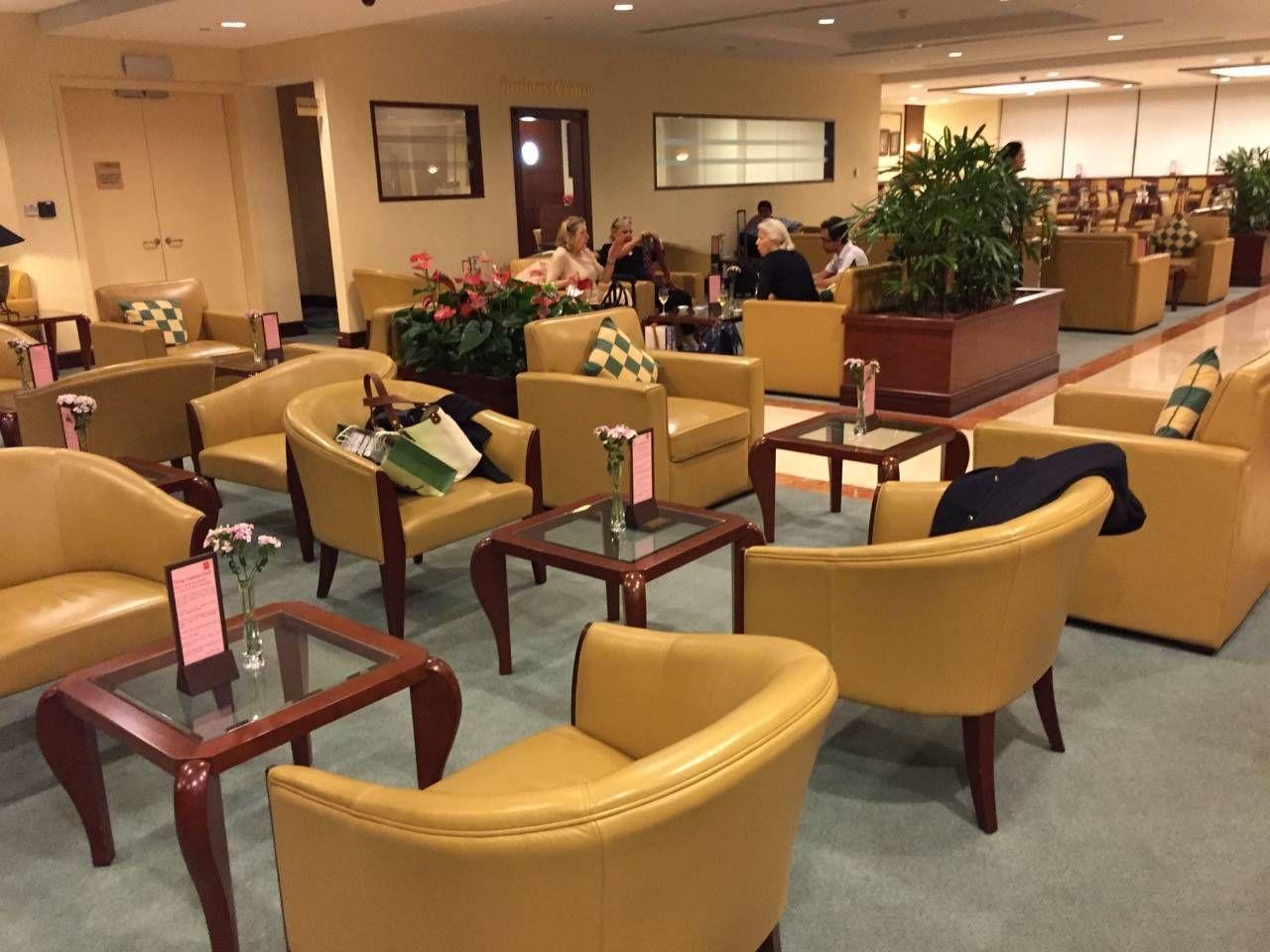 Emirates Lounge Shanghai-023