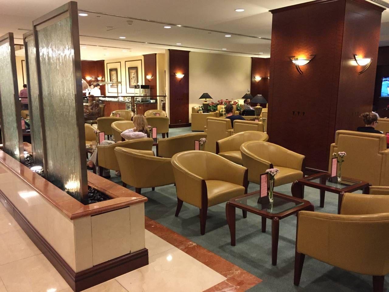 Emirates Lounge Shanghai-04