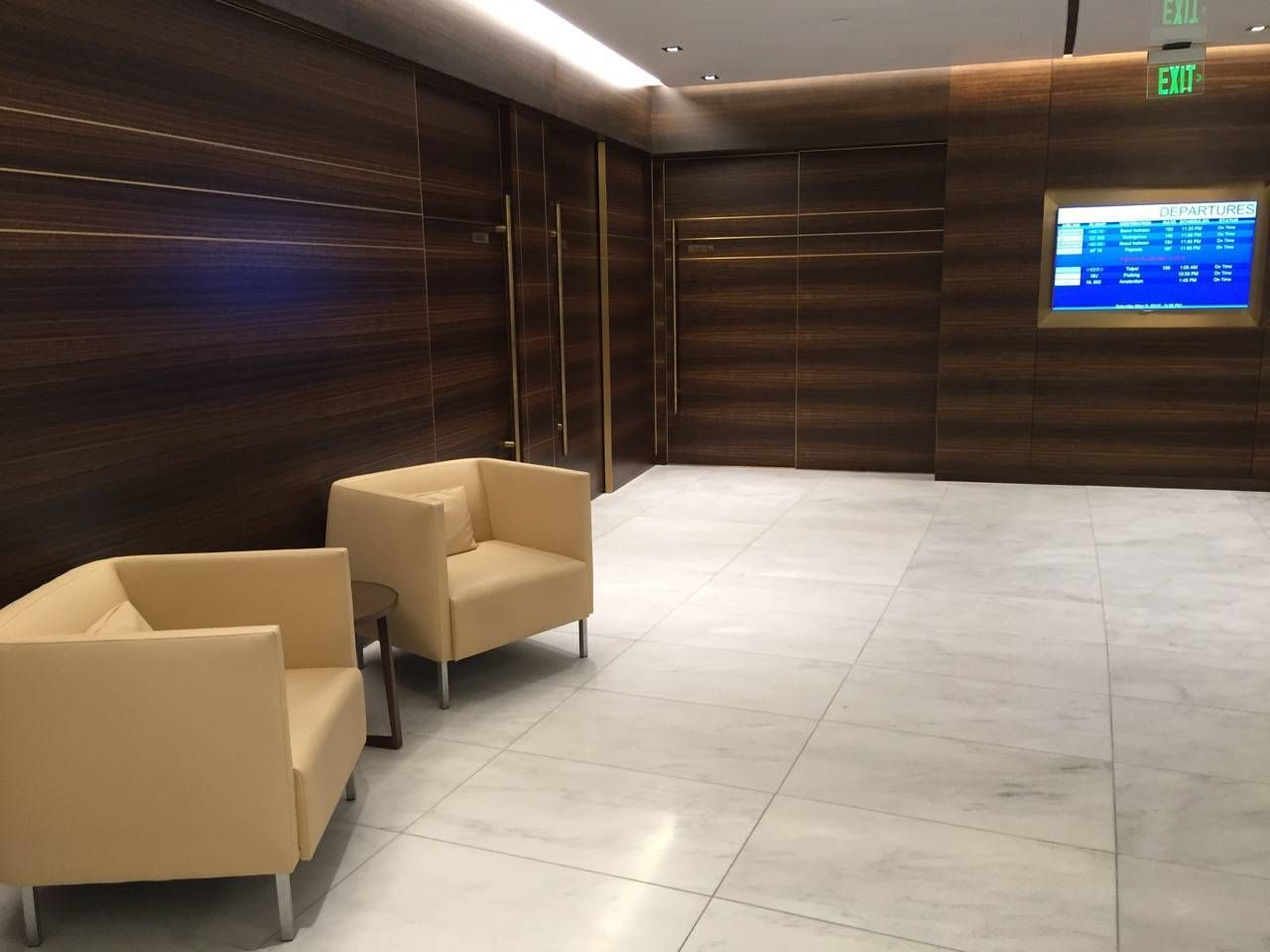 Korean Air First Class Lounge LAX -013