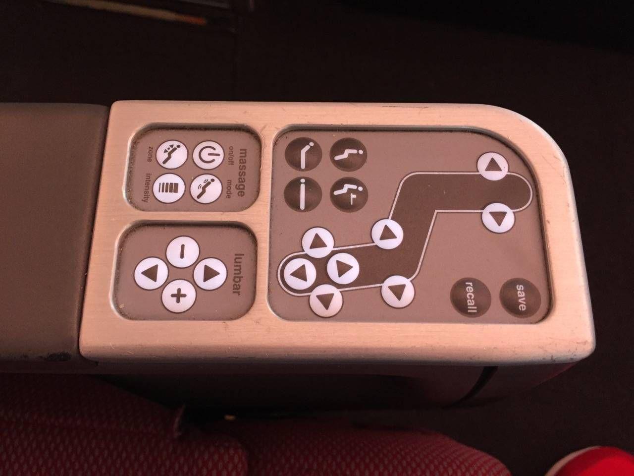 Qantas B747 Business Class-05