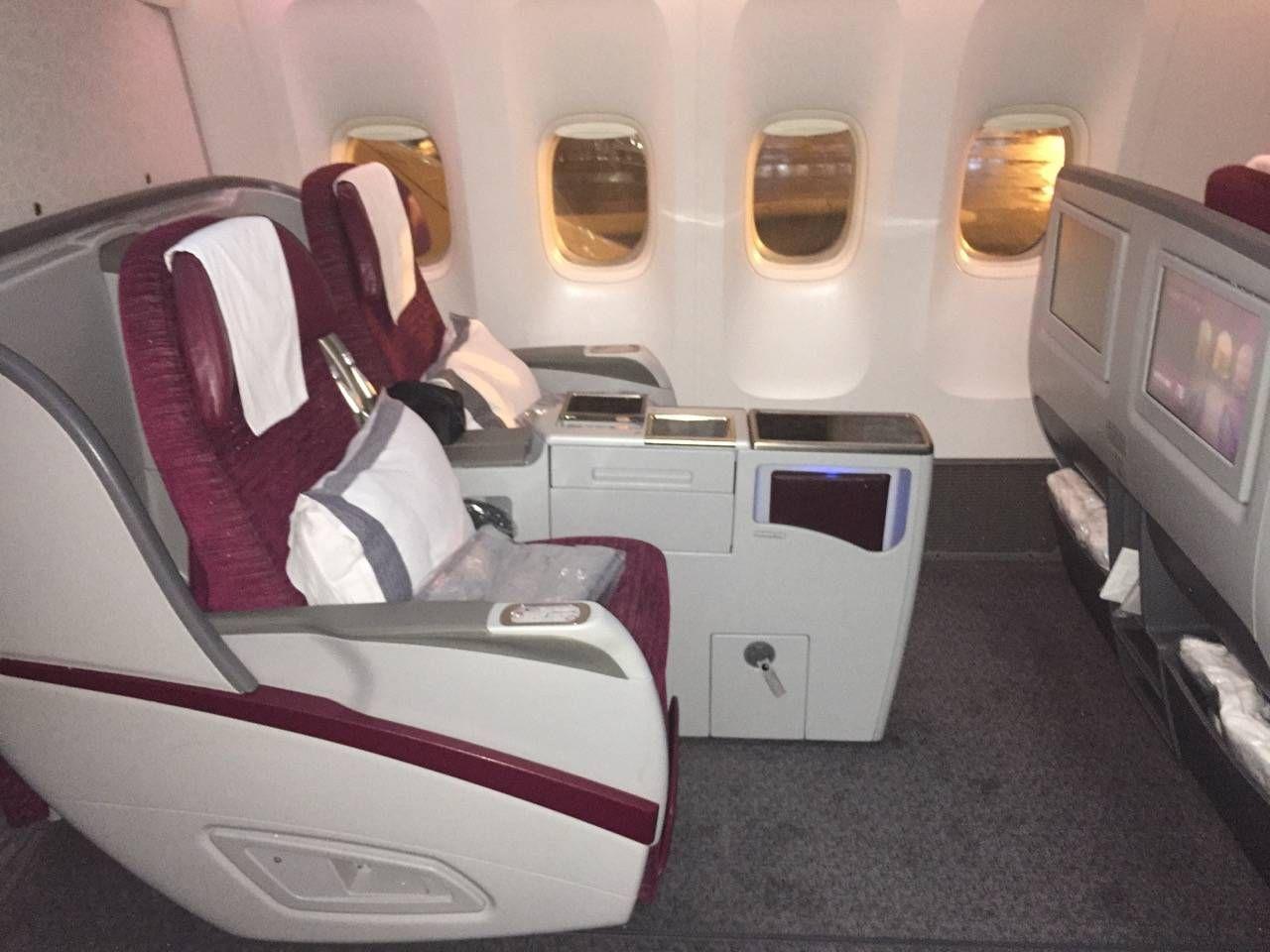 Qatar B777-200LR Business Class-03