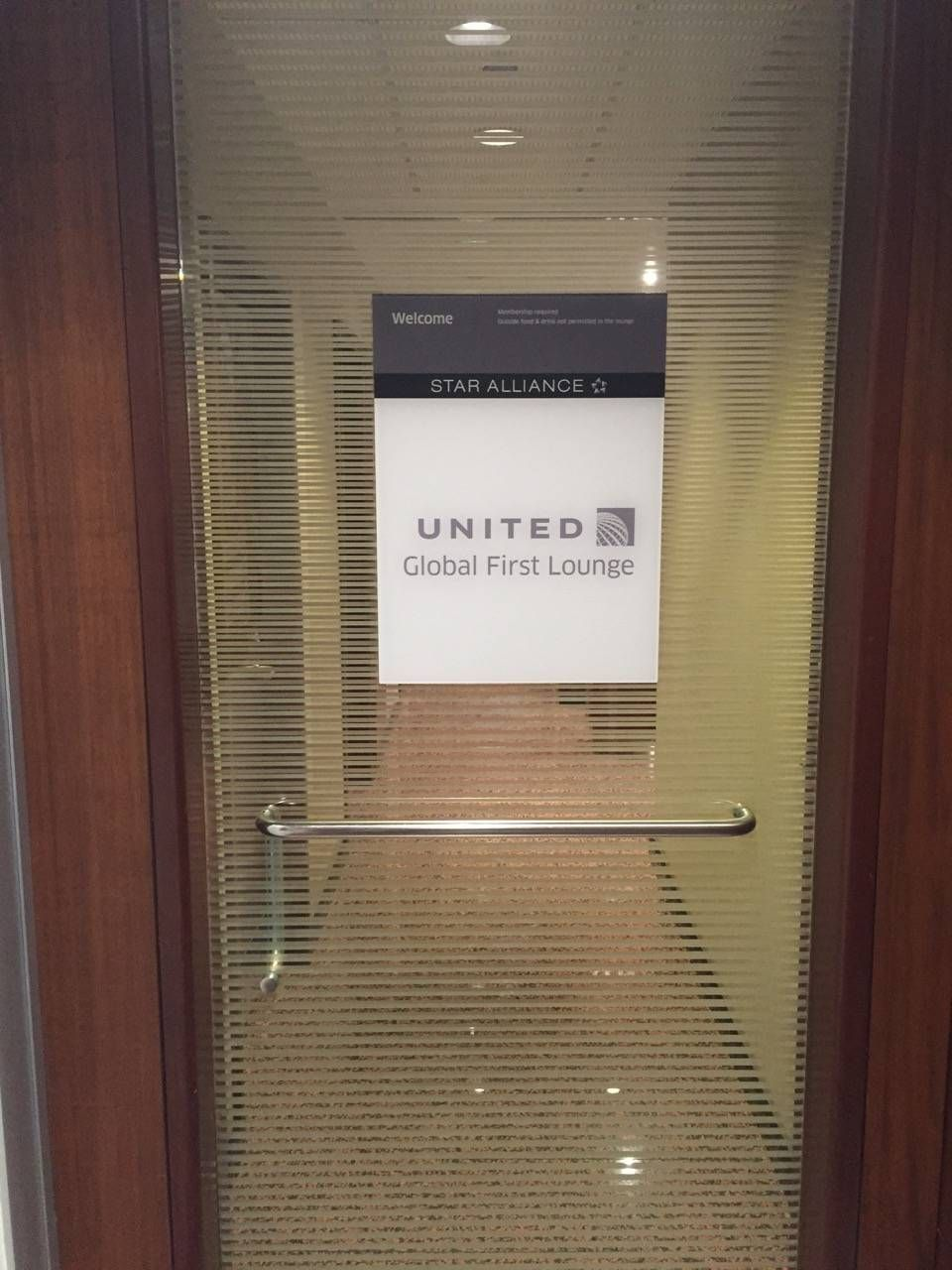 United Global First Lounge Chicago-01