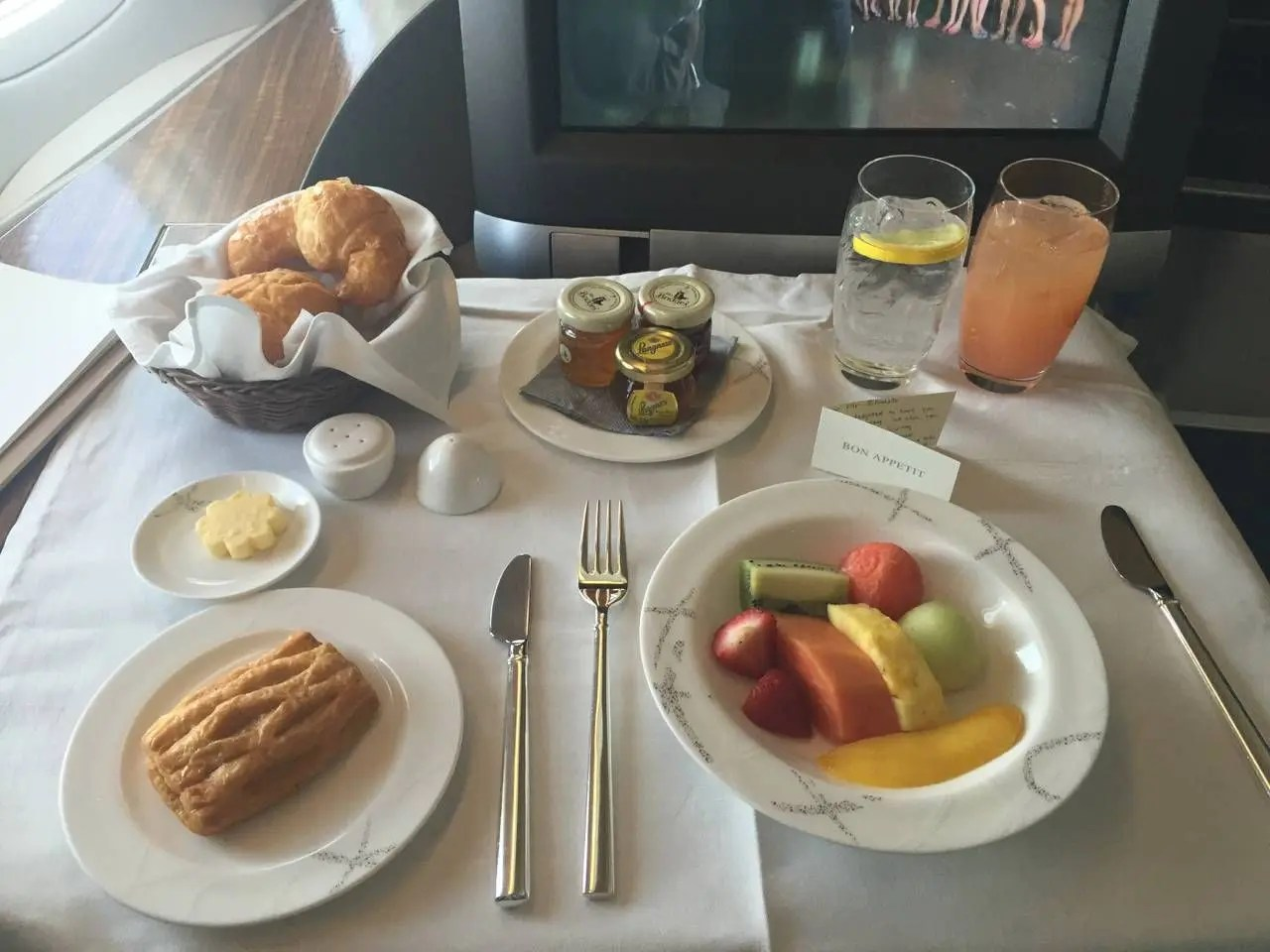 Cathay Pacific B773 First Class-034