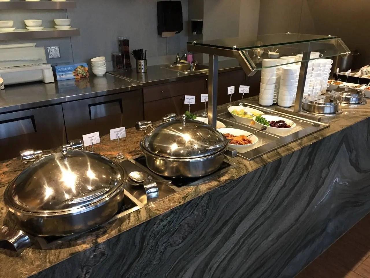 Plaza Premium Lounge Vancouver-012