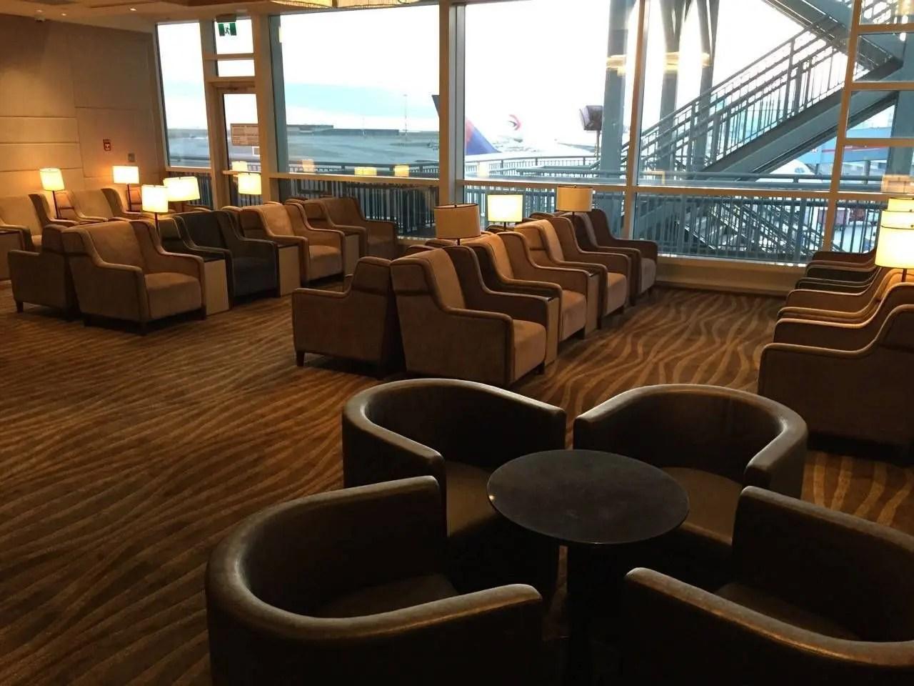 Plaza Premium Lounge Vancouver-02