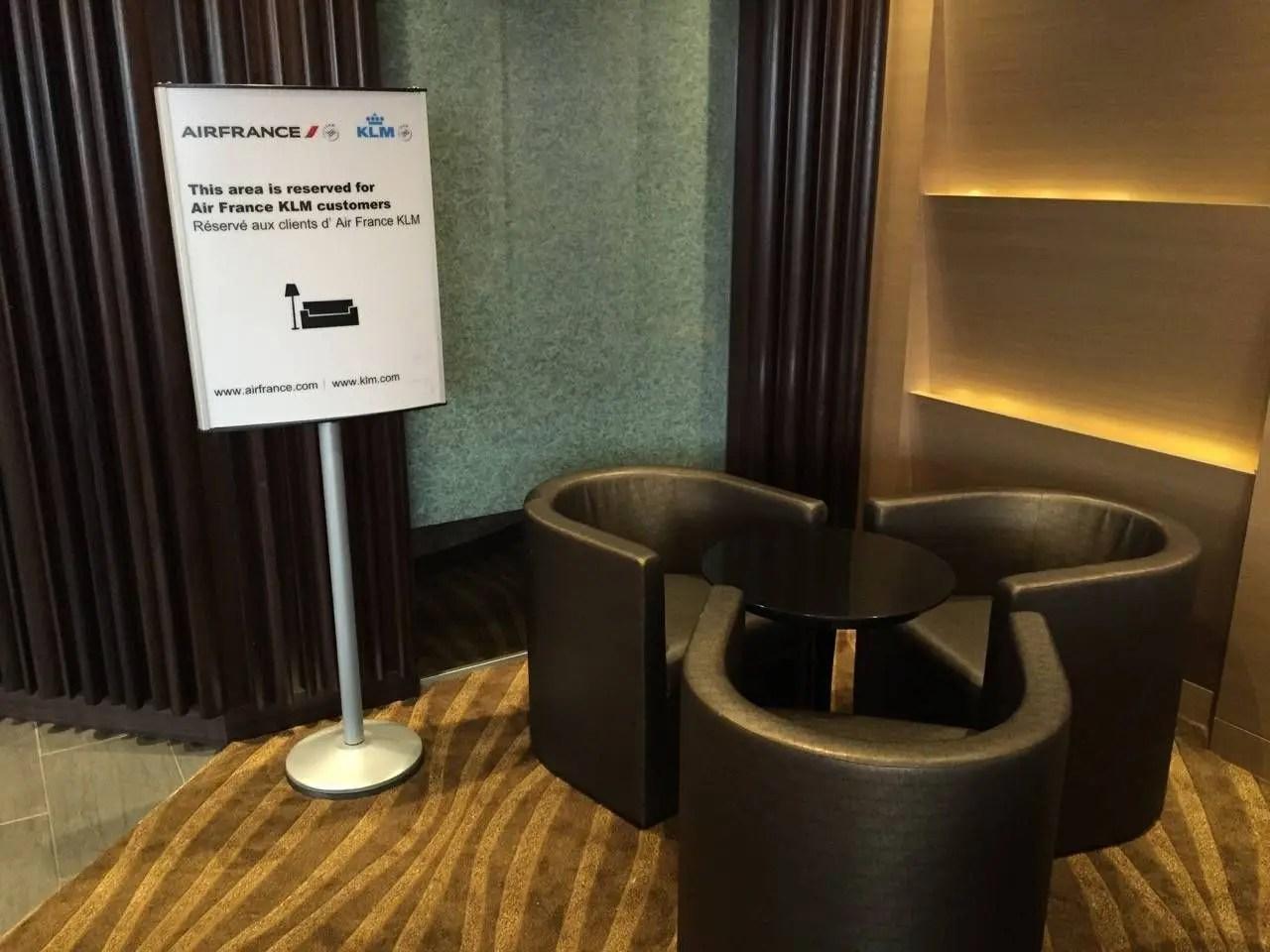 Plaza Premium Lounge Vancouver-021