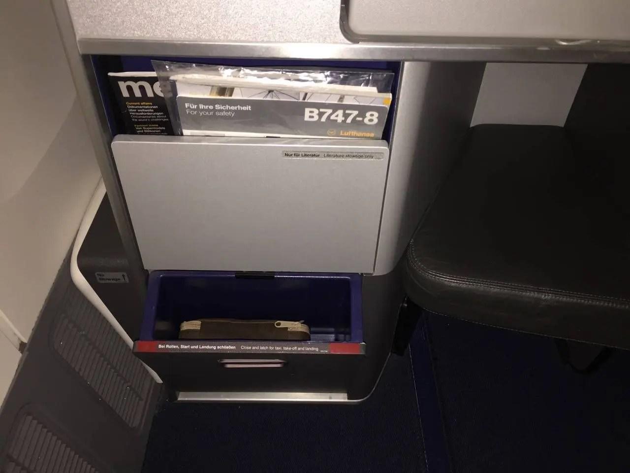 Lufthansa Business Class Executiva B747-8-05