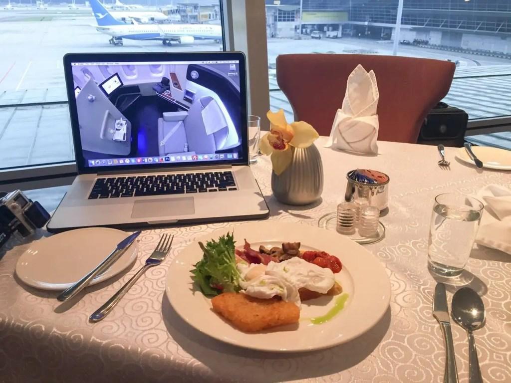 Malaysia Airlines Golden Lounge First Class Kuala Lumpur -031