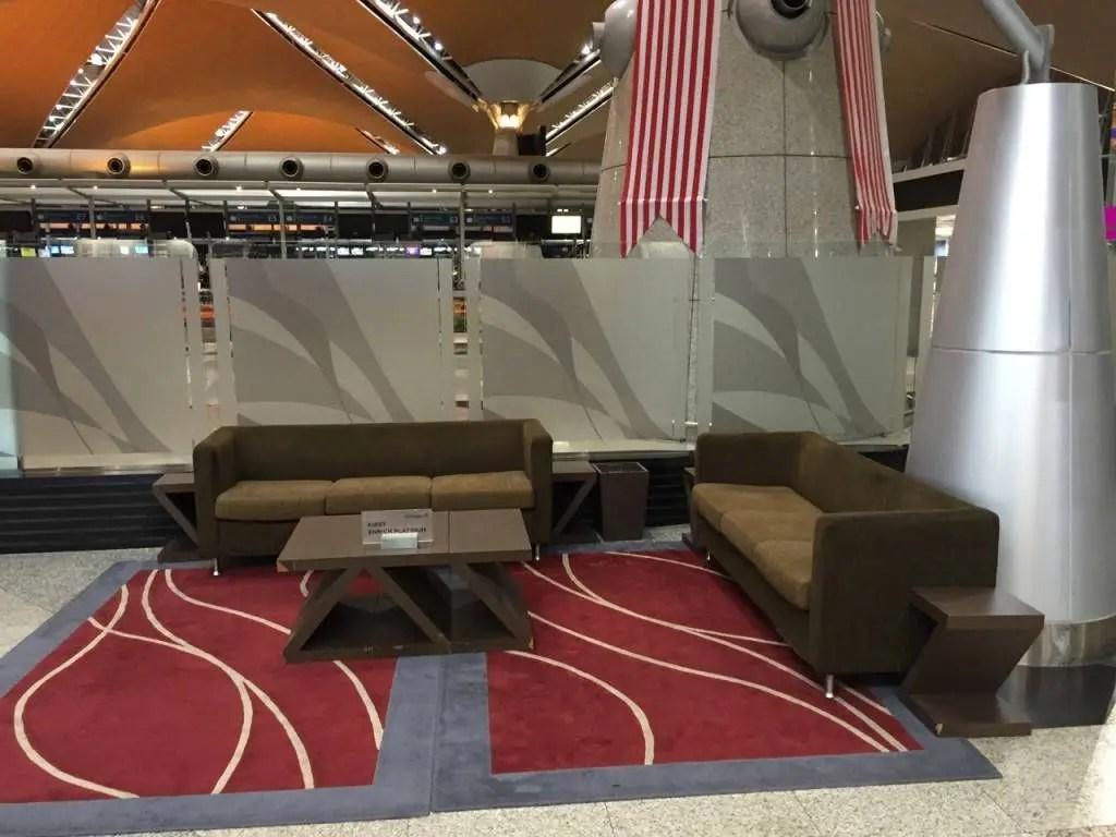 Malaysia Airlines Golden Lounge Kuala Lumpur -024