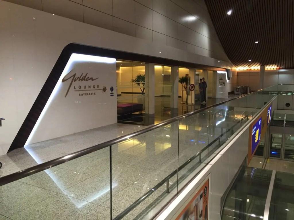 Malaysia Airlines Golden Lounge Kuala Lumpur -028