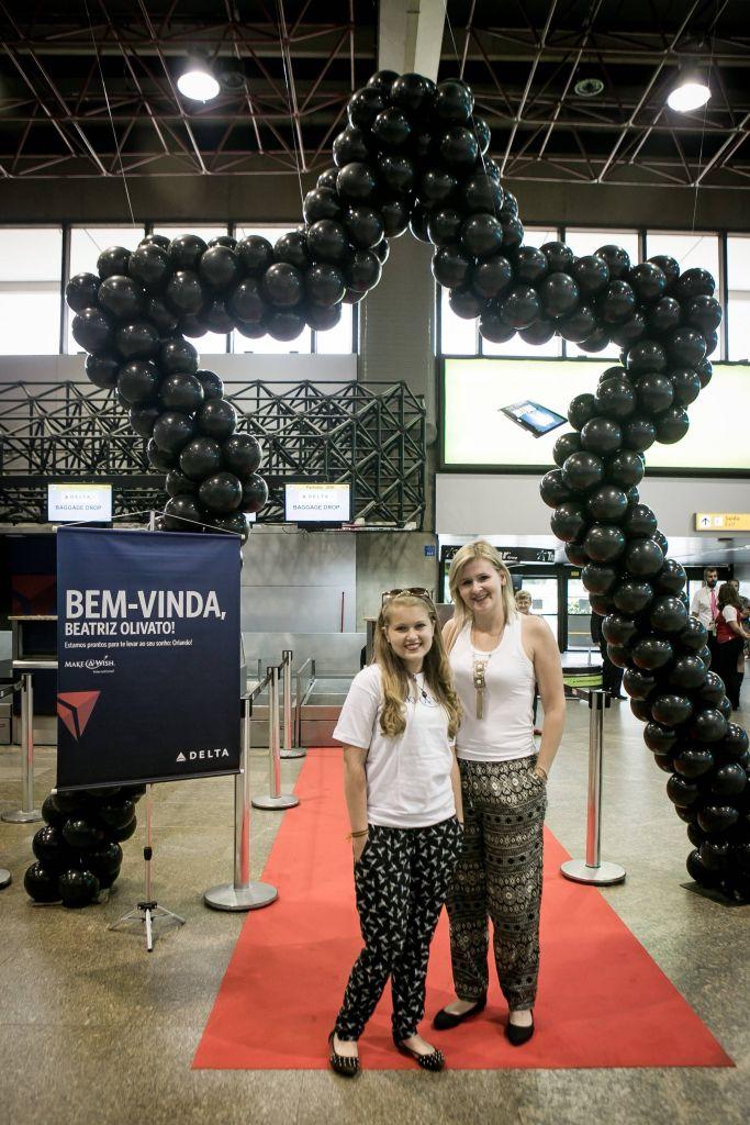 São Paulo, Aeroporto de Guarulhos 29 de outubro de 2015: Beatriz Olivato embarca para a viagem que ganhou no make a Wish.