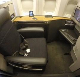 Primeira Classe da American Airlines no B777-300ER – Hong Kong para Dallas