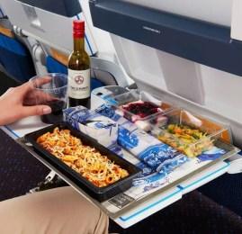 O que acontece com o seu corpo ao ingerir bebidas alcoólicas durante uma viagem de avião?