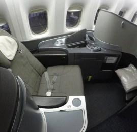 Primeira Classe da United Airlines no B777 – Chicago para São Paulo