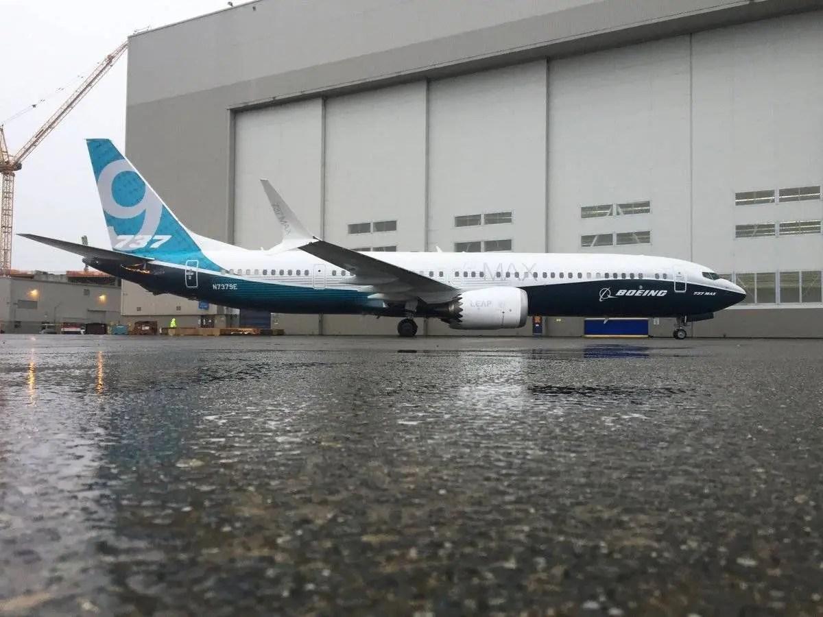737-max-full-image