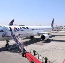 LATAM apresenta avião oficial que transportará o Papa Francisco pelo Chile e pelo Peru