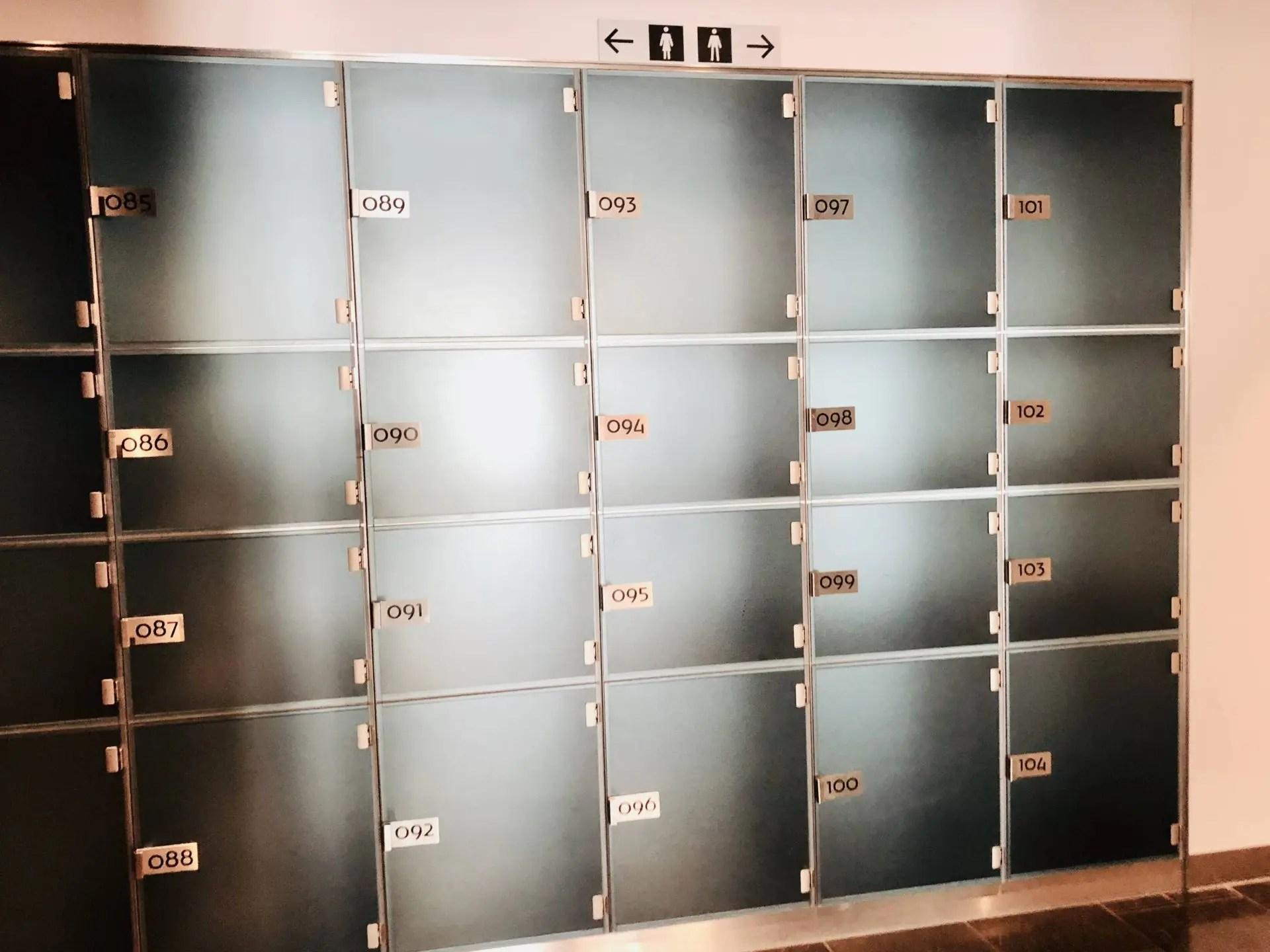 KLM Crown Lounge armários
