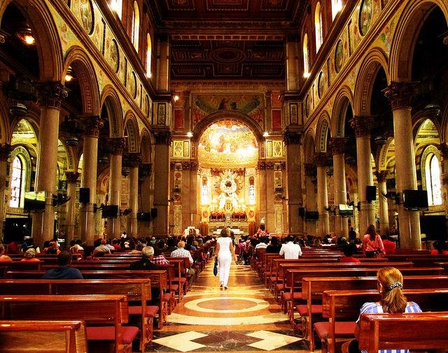 outro ponto turístico maravilhoso é a basílica nazaré