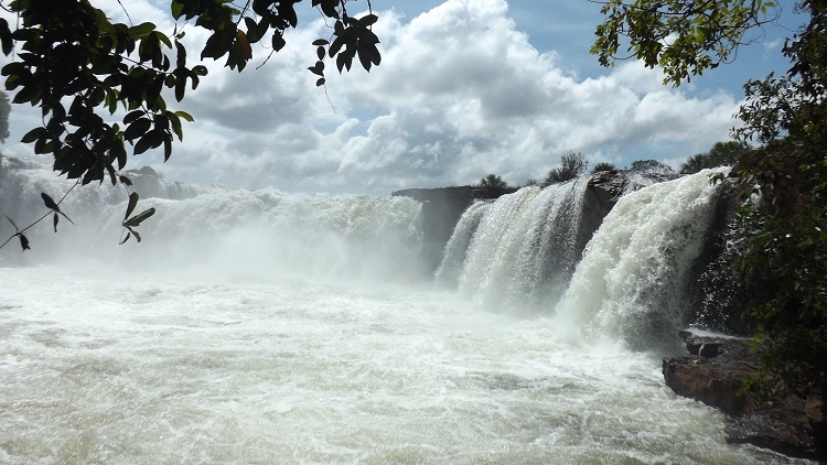 jalapao-cachoeira-da-velha-helia-vannucchi