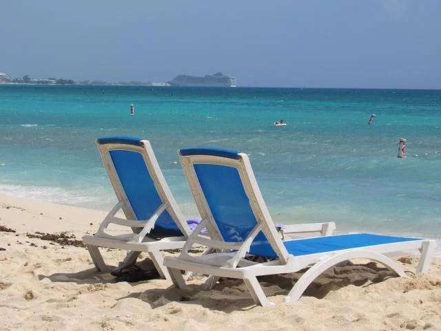 seven-mile-beach-ilhas-caimao