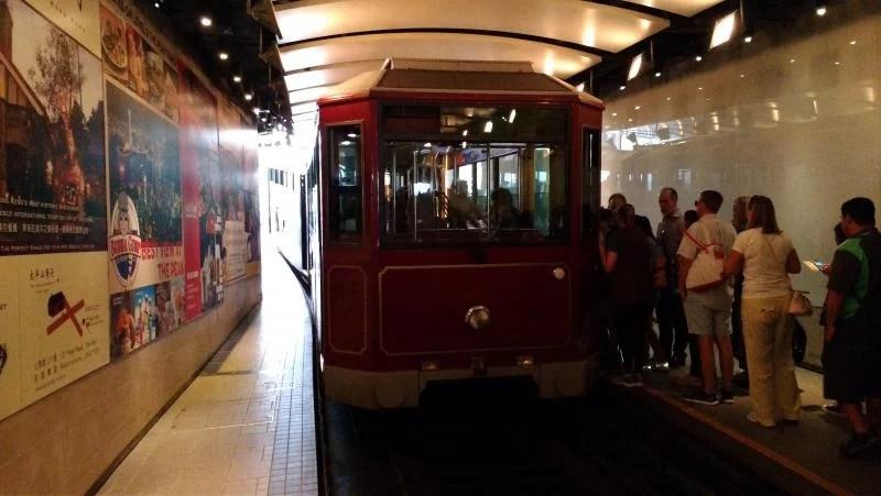 The-peak-tram-hong-kong