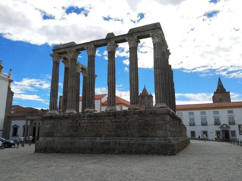 [NOVO POST] O que visitar em Évora. 21 sugestões para incluir no seu roteiro em Évora! #evora #viajarfazbem #viajaremportugal
