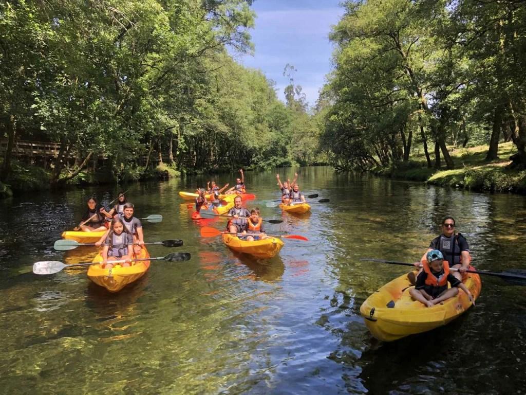 Experiências em família: canoagem no Rio Vez.