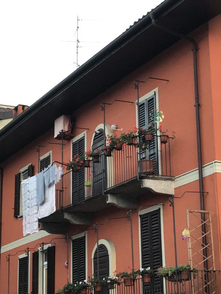 intra-balconi.jpg