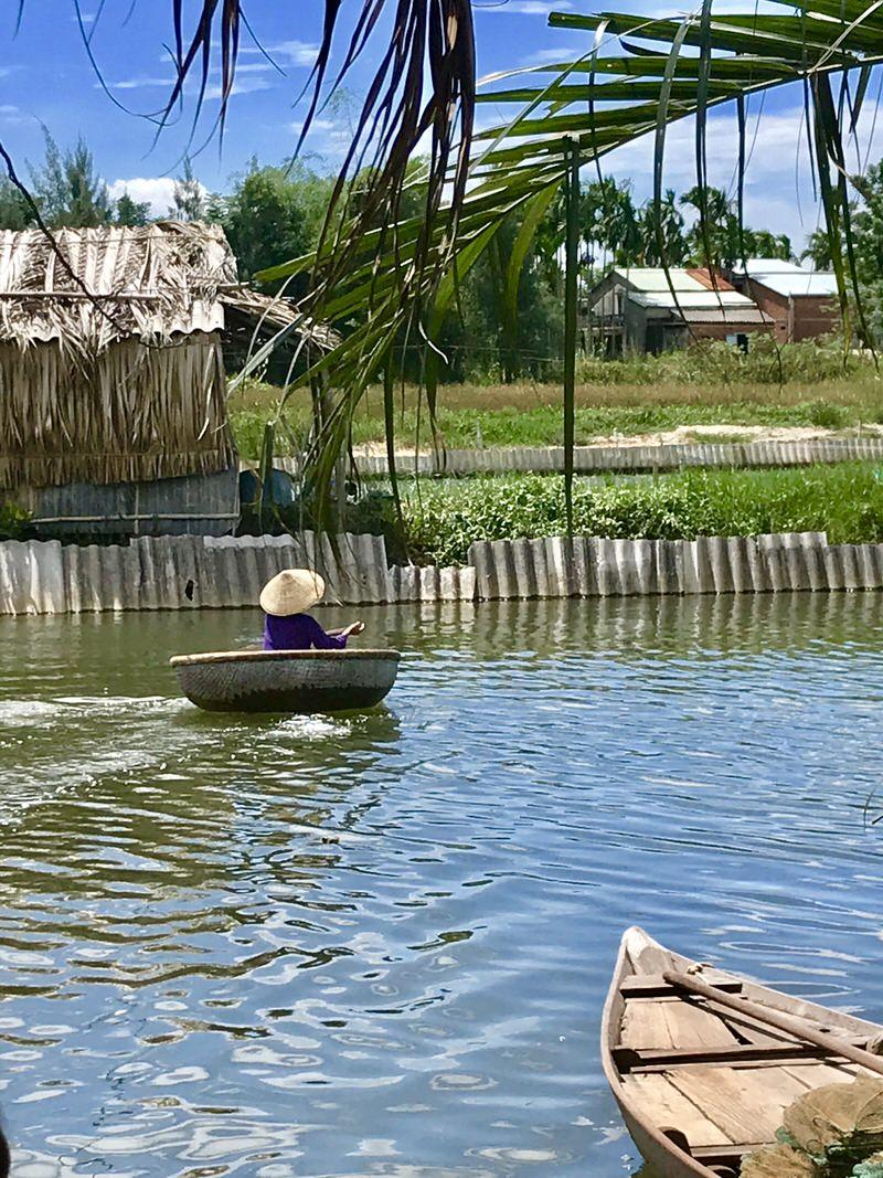 barca tradizionale vietnamita