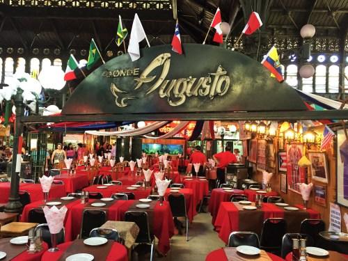 Area Interna do Mercado e um dos seus mais simbolicos restaurantes