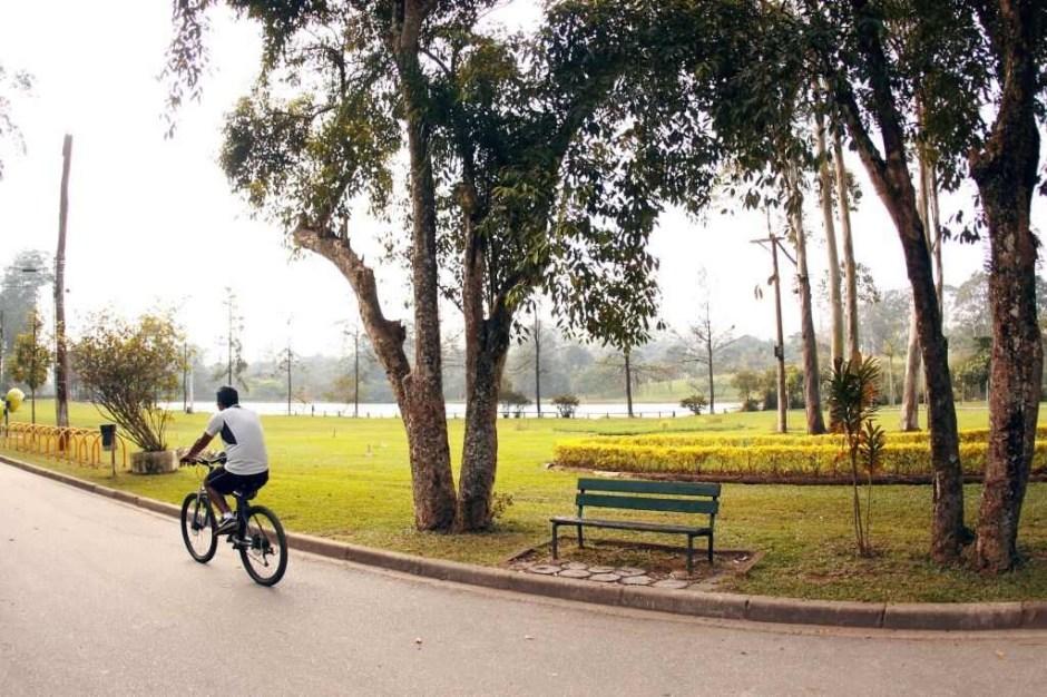 O parque tem aparelhos de ginástica, campos de futebol, ciclovia, pista de cooper. Foto Caio Pimenta/ SP Turis