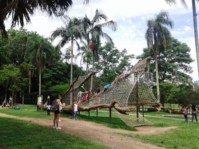 Crianças brincam no playground Foto: Patrícia Ribeiro/Passeios Baratos em SP