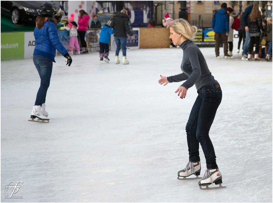 ice-skating-235542_1280