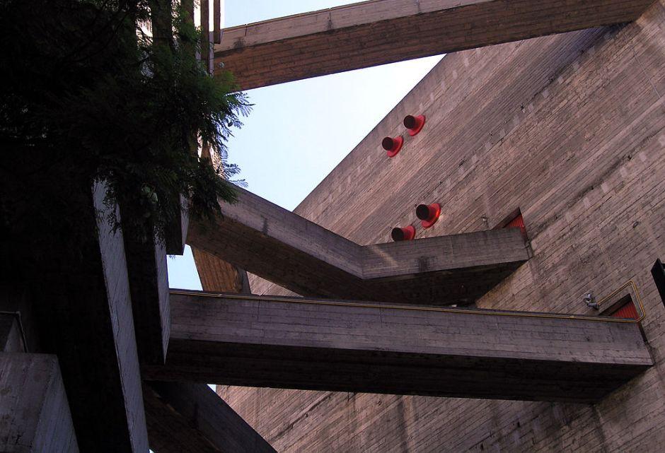 Arquitetura arrojada do Sesc Pompeia Foto: Wikimedia
