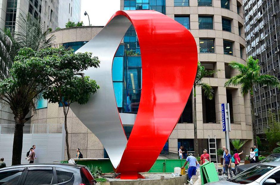 Escultura na avenida Paulista