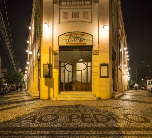Fachada Theatro São Pedro à noite Foto: Gal Oppido