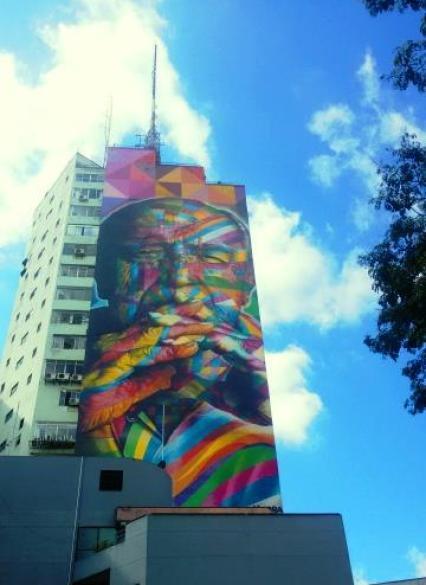 Mural do Kobra - retrato Oscar Niemeyer na Praça Oswaldo Cruz