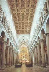 Interno da catedral de Pisa, de 1064 e modificada no séc XVI