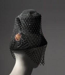 Yves Saint Laurent Cappello collezione HC autunno/inverno 2002 provenienza: collezione privata Cecilia Matteucci Lavarini