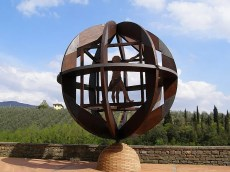 Escultura de Mario Ceroli – Piazza Masi
