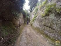 vie cave pitigliano trekking