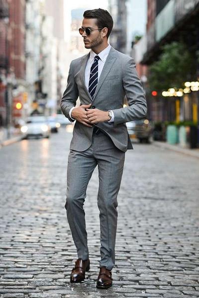 s'habiller pour un entretien quand il fait chaud costume gris