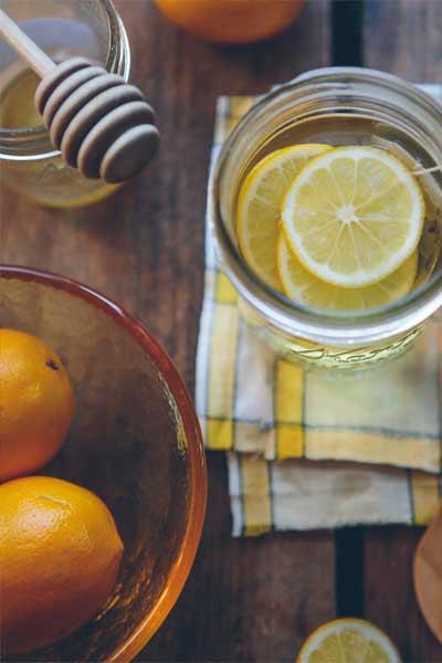 bienfaits du miel sur la santé avec du citron