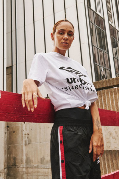 umbro x eleven paris t-shirt et pantalon de jogging à pression
