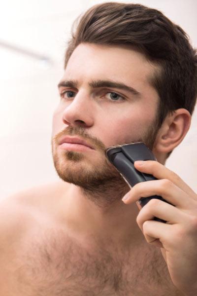 tailler sa barbe pour préparer sa peau au rasage