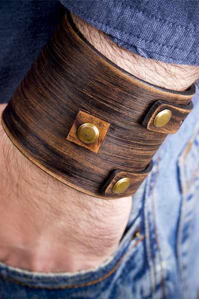 bracelet manchette en cuir homme