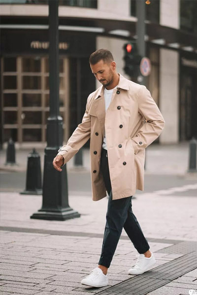 tenue casual chic avec un trench coat