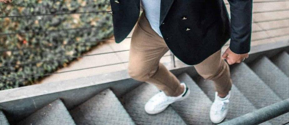 porter un pantalon beige homme