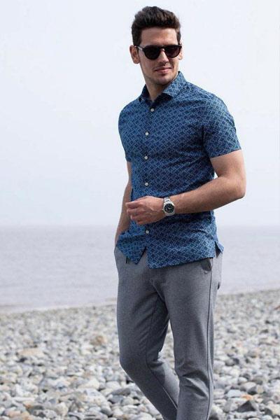tenue casual homme jogpant et chemise